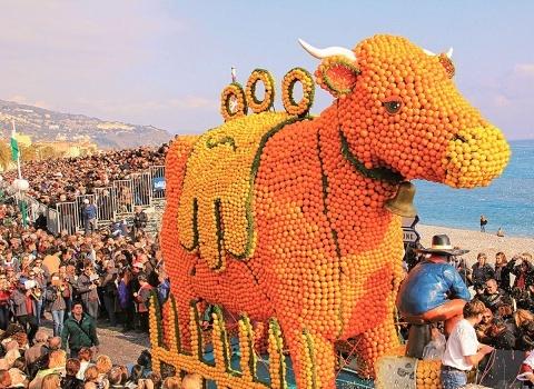 Каждый карнавал в Ницце имеет свою особую тему, название которой начинается со слова «король»