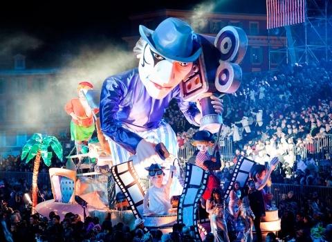 У каждого карнавала своя тематика, вокруг которой создаются костюмы, декорации