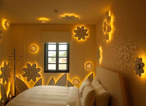 Отель Wanderlust находится в 10 минутах ходьбы от станций метро Bugis и Little India
