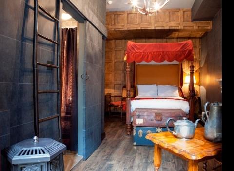 Harry Potter Hotel, London. Отель подходит для семейного проживания. В отеле есть номера и в традиционном стиле.