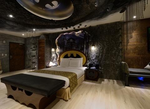 The Batcave, Taiwan. Комната Бэтменапользуется самой большой популярностью в отеле.