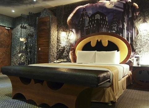 The Batcave, Taiwan.Номер очень любят снимать на несколько часов.