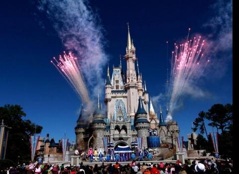 Достопримечательность мира: Мир Диснея (США). Замок в мире Дисней в Орландо, штат Флорида.